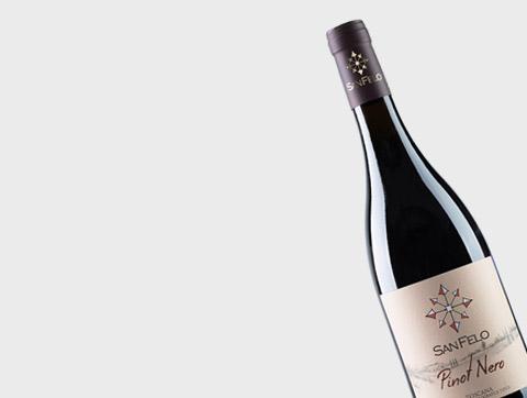 Vino Pinot Nero San Felo Magliano in Toscana Grosseto Italy